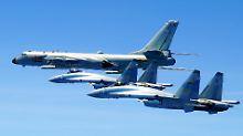 Inseln im Südchinesischen Meer: Chinas Bomber machen Nachbarn Angst