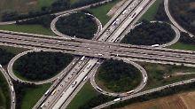 Grüne lehnen Plan strikt ab: Bund will privaten Autobahnbau fördern