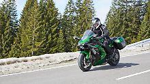Mit der Kawasaki H2 SX am Riedbergpass in dne bayrischen Alpen.