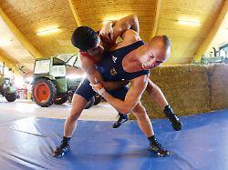 Ein Weltmeister im Kuhstall: Der bizarre Streit um Top-Ringer Stäbler