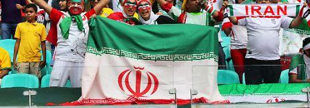 Ruhani fordert Verbotsaufhebung: Dürfen Iranerinnen bald in Fußballstadien?