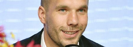 """Koonichiwa, """"Senor Barca"""": Podolski-Team bekommt neuen Weltstar"""