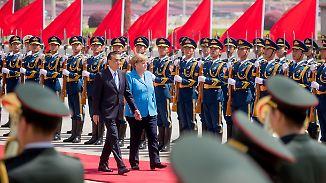 Kanzlerin bei Partner und Konkurrent: Merkel pocht in China auf fairen Handel