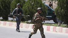 Tote und Verletzte bei Anschlag: Attentäter greifen Ministerium in Kabul an