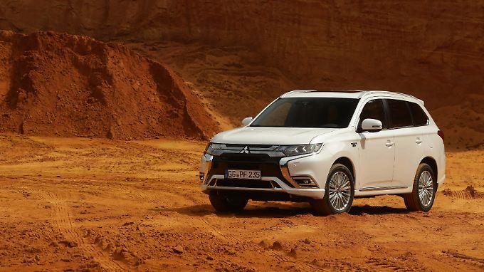 Die Hybridvariante des Outlander ist in Europa ein Erfolgsmodell. Nun wird das Öko-SUV überarbeitet