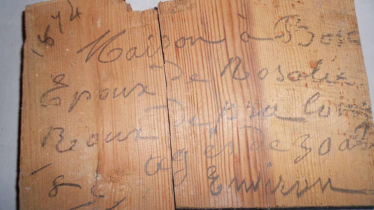 fund in franz sischem schloss alte dielen berichten von kindesmorden n. Black Bedroom Furniture Sets. Home Design Ideas