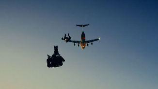Promi-News des Tages: Tom Cruise springt in fast 8000 Metern Höhe aus dem Flugzeug