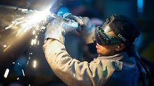 Längste Flaute seit 2008: Industrie erhält erneut weniger Bestellungen