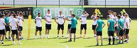 Gruppe F unter der n-tv.de-Lupe: DFB-Stimmungskiller trifft Bunga-Bunga