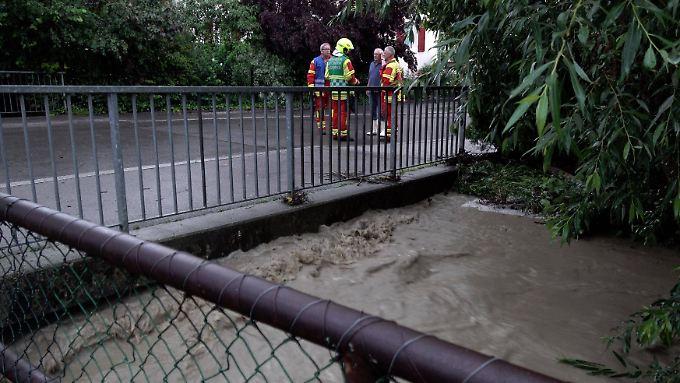 Auch im Raum Reutlingen in Baden-Württemberg sorgte der Dauerregen für Überschwemmungen.