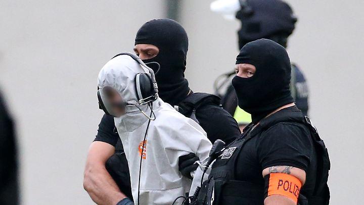 Kurdische Sicherheitskräfte hatten Ali B.  an deutsche Polizeibeamte übergeben, die ihn zurück nach Deutschland brachten.