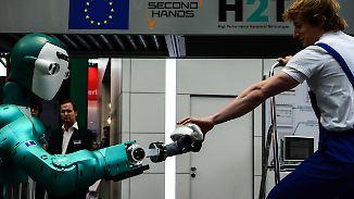 Hybride Teams auf der Cebit: Mensch und Roboter arbeiten Hand in Hand
