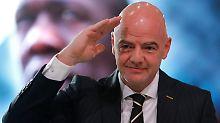 Der Sport-Tag: Fifa-Chef Infantino lobt sich in den höchsten Tönen