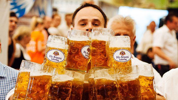Viele Maß Bier.