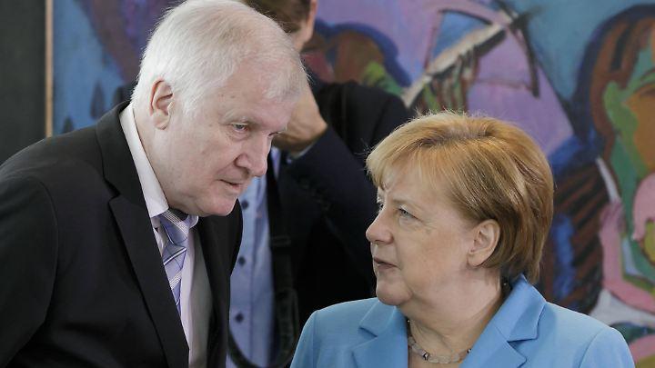 Seehofer und Merkel wollen sich noch am Mittwochabend treffen.