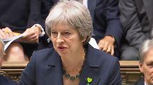 Parlament stimmt übers Wie ab: May entgeht knapp Brexit-Niederlagen