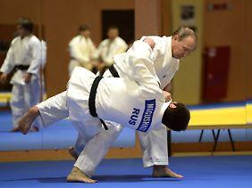 Putin ist ehemaliger Leningrader Stadtmeister im Judo.