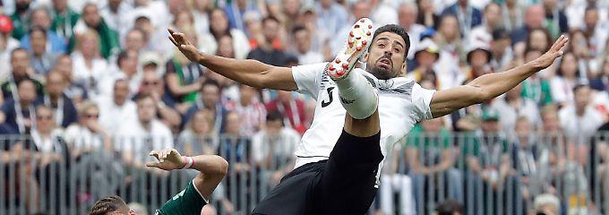 Sami Khedira steht für das maue Team: Zu alt, zu langsam, zu satt?
