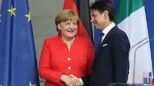 Wichtige Unterredung nach einem für Angela Merkel sehr anstrengenden Tag.