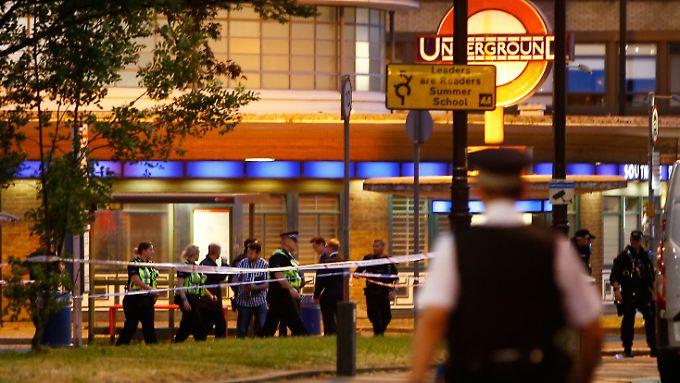 Auch wenn die Polizei nicht von einem Terror-Zusammenhang ausging, rief sie die Bevölkerung auf, die Station zu meiden.