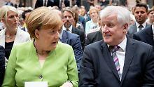 CSU-Bundesinnenminister Horst Seehofer hat Bundeskanzlerin Angela Merkel schlechten Stil im koalitionsinternen Umgang vorgeworfen.