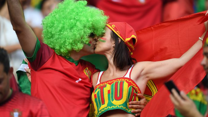 Wenn das WM-Stadion zum Flirt-Hotspot wird.