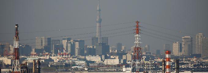 """Blick über eines der Industriegebiete in der Bucht von Tokio: """"Es sieht so aus, als ob es immer chaotischer wird."""""""