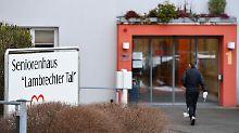 Lebenslange Haft: Gericht spricht Pfleger des Mordes schuldig