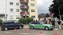 Einsatzkräfte sicherten den Tatort in Gunzenhausen ab.