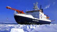 """Dem Klimawandel auf der Spur: """"Polarstern"""" lässt sich vom Eis einschließen"""