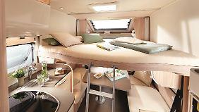 Für die Nachtruhe kann optional ein Hub-Doppelbett heruntergelassen werden.