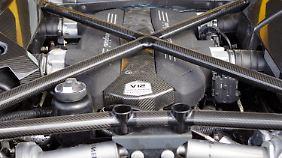 Auch der Lamborghini Aventador fährt mit einem V12.