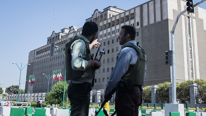 Sicherheitskräfte konnten die Parlaments-Angreifer im Juni 2017 überwältigen.