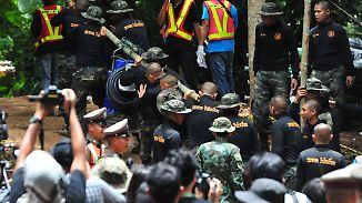 Hoffnung vor der Thuam-Luang-Höhle: Welle der Hilfsbereitschaft erreicht Rettungskräfte