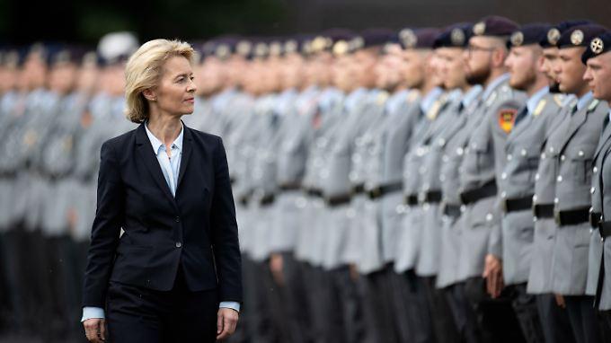 Ursula von der Leyen ist seit 2013 Bundesverteidigungsministerin. Im Oktober wird sie 60 Jahre alt.