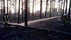 Bereits in den vergangenen Tagen hatte es in der Lieberoser Heide gebrannt. 400 Hektar Heide und Wald wurden dabei vernichtet. Betroffen waren ...