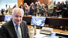 """Minister kündigt """"Asylwende"""" an: Seehofer stellt veralteten """"Masterplan"""" vor"""