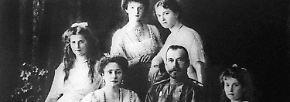 ... und seine Frau, Alexandra Fjodorowna, sowie die vier Töchter Olga, Tatjana, Maria, Anastasia und den Zarewitsch Alexej.
