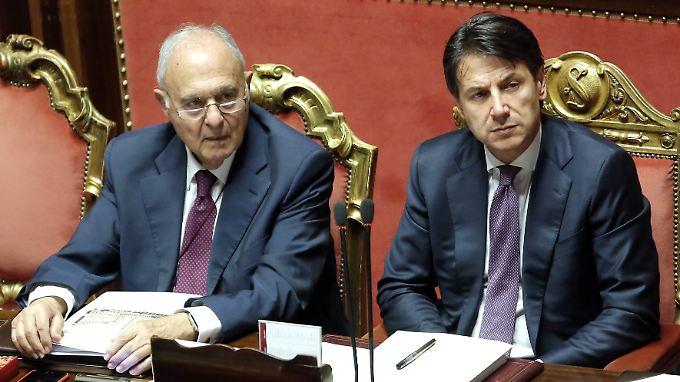 Paolo Savona (links) bleibt ein Unruhestifter in Giuseppe Contes Regierung.