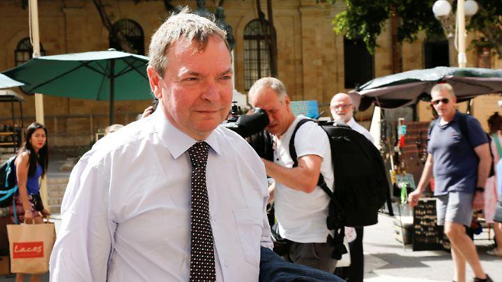 """""""Lifeline""""-Kapitän Claus-Peter Reisch darf Malta ab dem 16. Juli verlassen und muss spätestens am 30. Juli zurückkehren."""