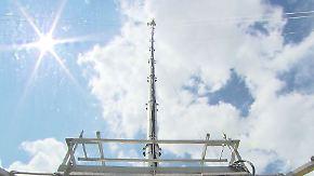 Scheuer weiht neuen Mast ein: Brandenburg hat ein Mobilfunkloch weniger