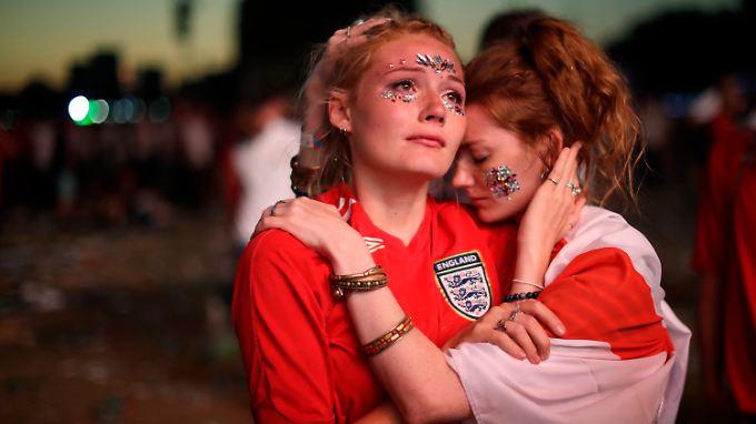 Ausscheiden schmerzt, wer wüsste das nicht? Englische Fans nach der Halbfinal-Niederlage gegen Kroatien.
