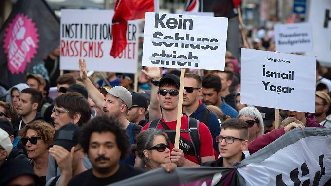 Mehrere tausend Menschen hatten in mehreren Städten nach der Urteilsverkündung im NSU-Prozess demonstriert.