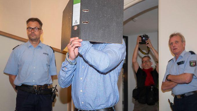 Es soll dem Angeklagten in erster Linie um Geld gegangen sein (Archivfoto).
