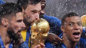 Flitzer, viele Tore und ein Regenschirm: Frankreich und Kroatien liefern sich denkwürdiges WM-Finale