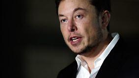 """Schlammschlacht nach Höhlendrama: Elon Musk beschimpft Rettungstaucher als """"Pädophilen"""""""