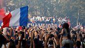 Empfang der Équipe Tricolore: Frankreich vereint im Titelrausch