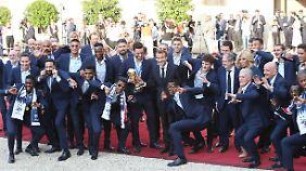 Party in Paris, Ernüchterung in Berlin: Frankreich lässt seine WM-Helden hochleben