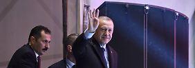 Ist auch ohne Ausnahmezustand noch mächtig genug: Präsident Erdogan