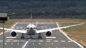 Schwindelerregend spektakulär: Boeing 787 startet fast senkrecht